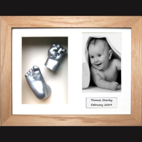 2x hands or 2x feet (or one of both) 1x Photo 1x Plaque choose colour of mounting board choose frame - from standard or custom All frames come with a life time warranty. Book Your session today. Go to our facebook page. www.facebook.com/3dbodycasting