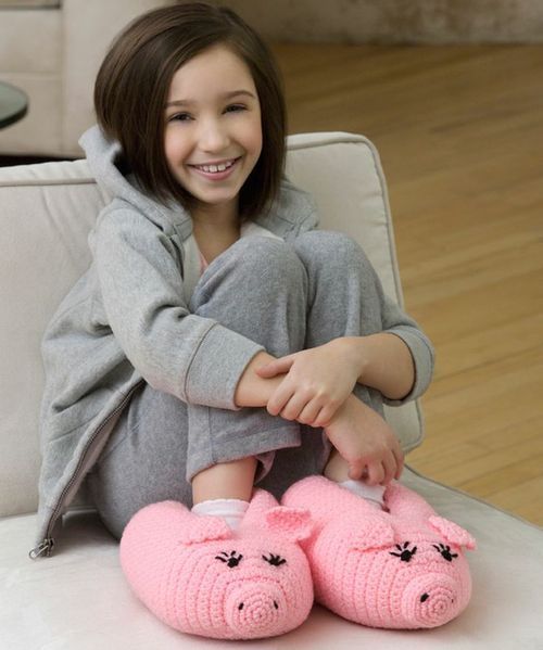 Pudgy Piggy Crochet Slippers FREE Pattern