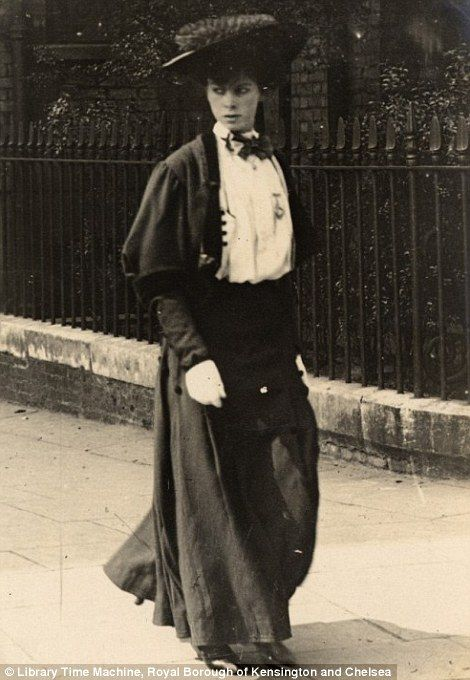February 20th 1906, a woman,dressed in a dark outfit takes a walk London..wonderful images by the late amateur photographer Edward Linley Sambourne,  Read more: http://www.dailymail.co.uk/femail/article-2173872/Edwardian-street-style-Astonishing-amateur-images-capture-fashion-women-London-Paris-century-ago.html#ixzz2bx4QVmxi Follow us: @MailOnline on Twitter | DailyMail on Facebook