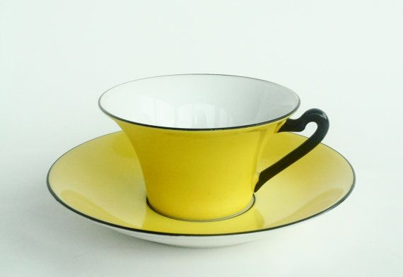 So gorgeous. I dream of a dainty, stylish teacup with matching saucer to call my very own.