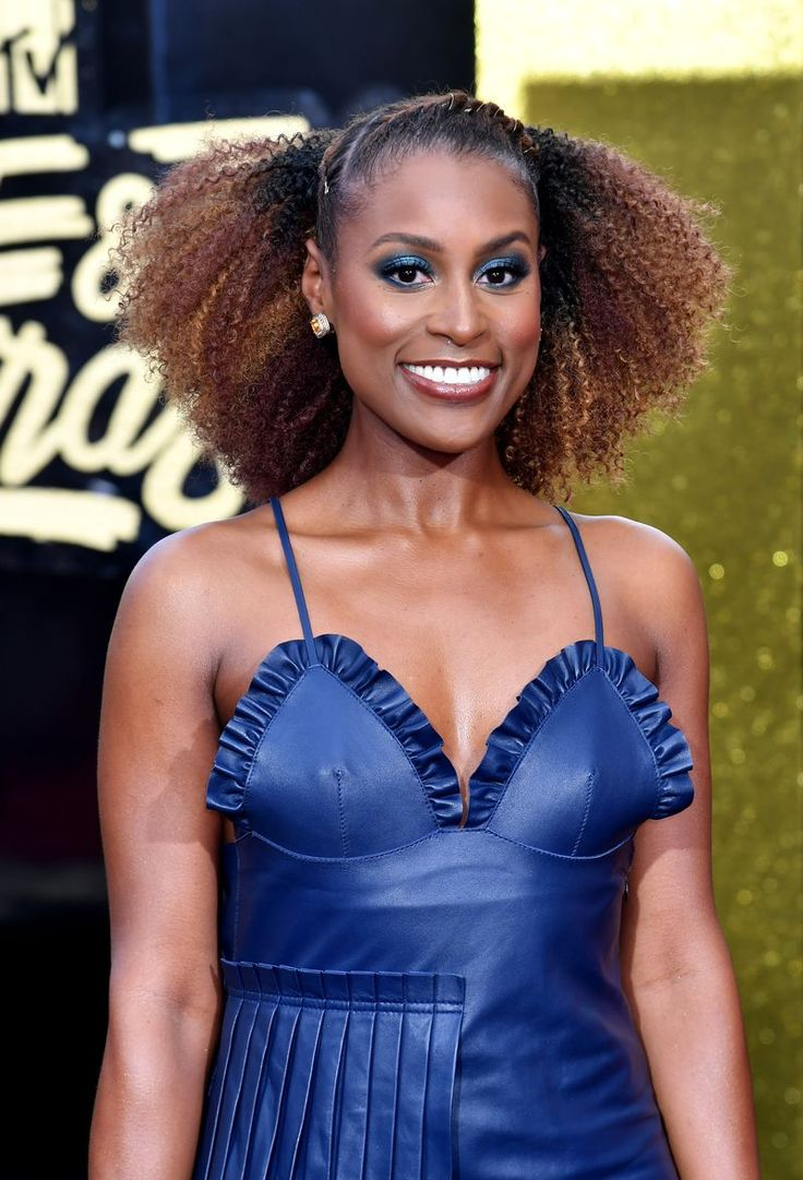 If you're looking for a bold makeup look, why not copy Issa Rae's fun blue eye shadow? Love it!