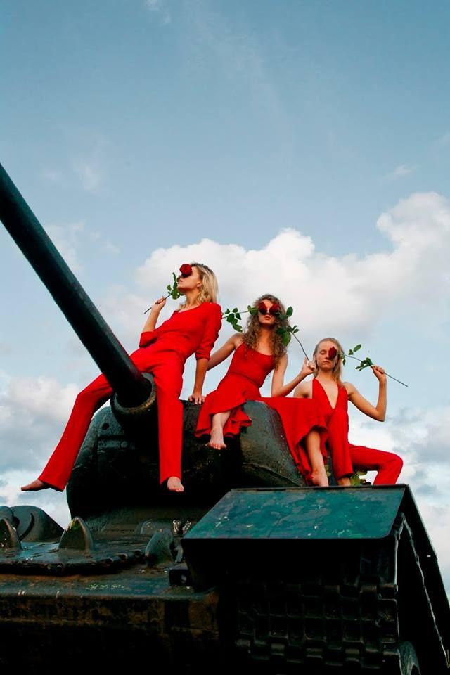 Project by Ewa Chojnacka / Hojnatzka, our graduate of Fashion School SAPU in editorial RED ARMY in Please Magazine!