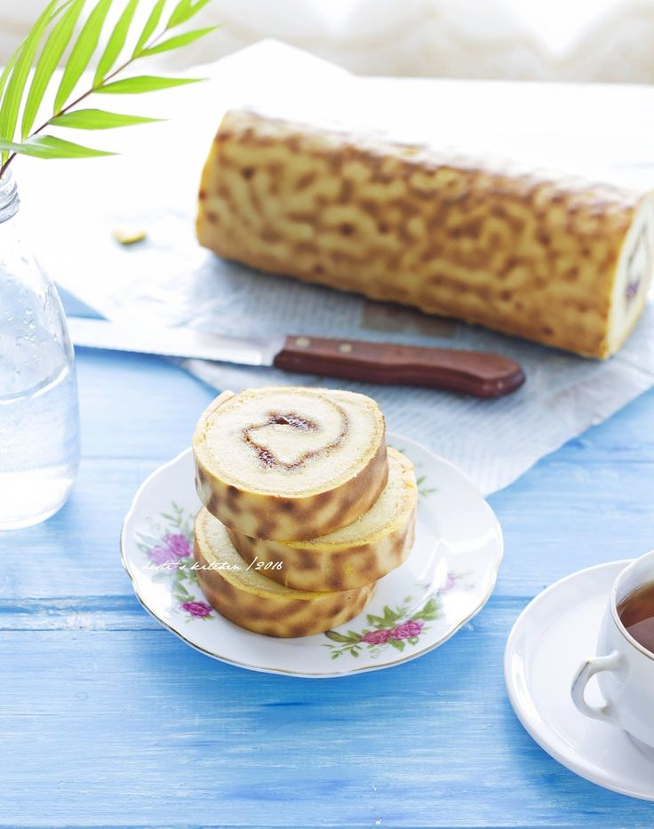 HESTI'S KITCHEN : yummy for your tummy: Tiger Roll Cake