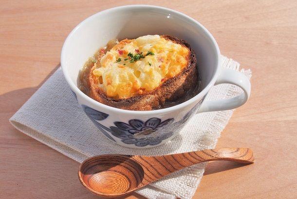 オニオングラタンスープといえば、通常1時間ほどかけてじっくりとたまねぎを炒めますが、あらかじめ電子レンジで加熱 […]