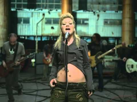 Kelly Clarkson - Walk Away...seriously, how can you not lip sync/dance to this?