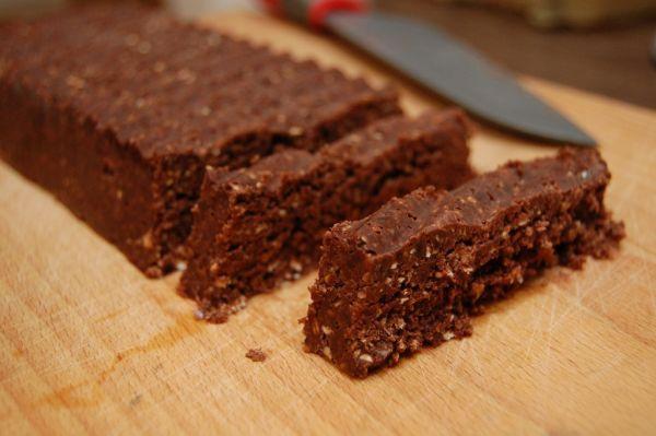 Fotorecept: Čokoládovo-datľové raw tyčinky - Recept pre každého kuchára, množstvo receptov pre pečenie a varenie. Recepty pre chutný život. Slovenské jedlá a medzinárodná kuchyňa