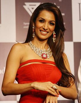 Malaika Arora Khan with Birdichand #jewellery at the IIJW.