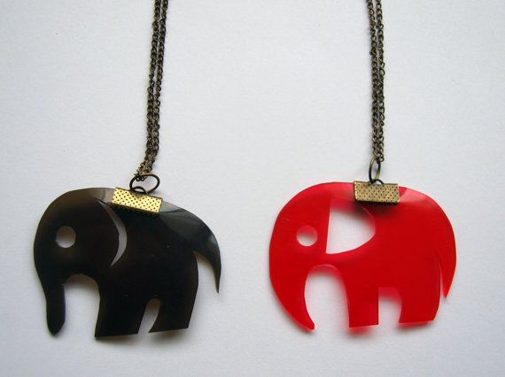 Elephant necklace by fauxvijoux on Etsy, €19.50
