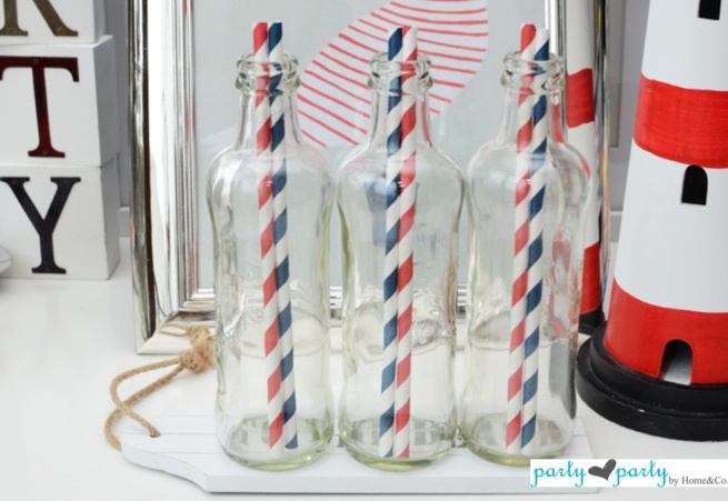 Red and Navy Blue paper straws!