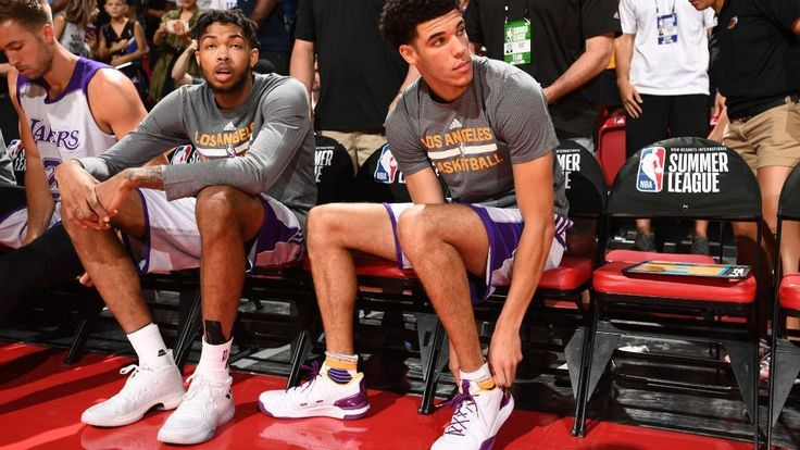 Lakers irked by Gortat's tweet directed at Lonzo    Lakers irked by Gortat's tweet directed at Lonzo   http://www.espn.com/nba/story/_/id/21143694/los-angeles-lakers-back-lonzo-ball-rookie-called-tweet-washington-wizards-marcin-gortat