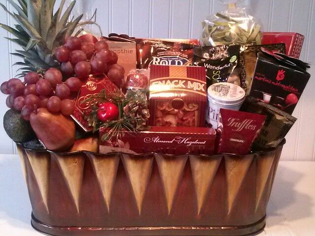 Ultra delux gourmet gift basket.