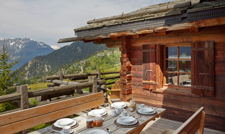 Todhunter Earle designed Chalet in the Swiss Alps. INTERIOR DESIGN ∙ SWISS CHALETS ∙ SWITZERLAND ∙ TODHUNTER EARLE ∙ SWISS CHALET CHIC