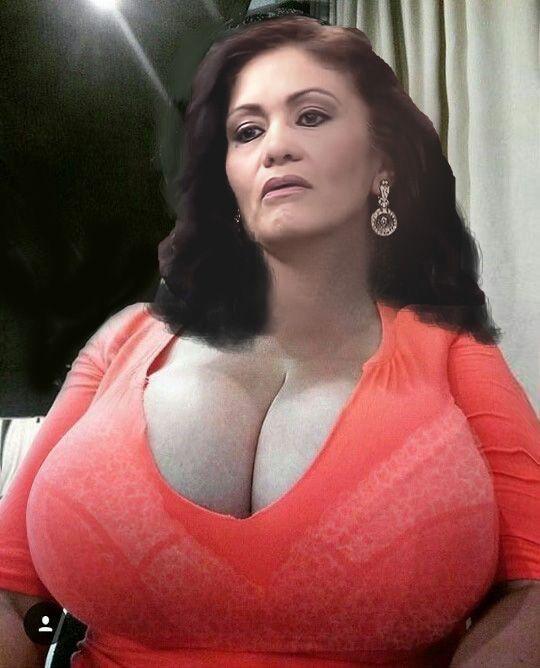 Busty MILFs, Free Big Tits Porn, Hot MILF Saggy Tits Pics