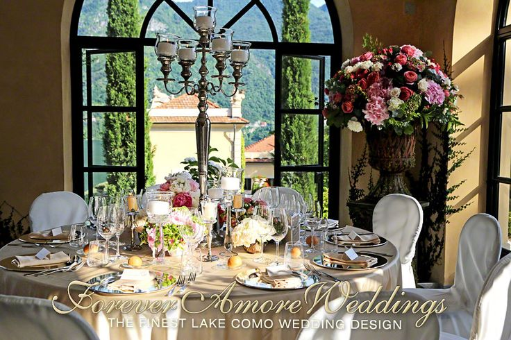 Villa Balbianello wedding, indoor reception dinner in the Segrè. Event by ForeverAmoreWeddings @ #foreveramoreweddings #villabalbianellowedding #lakecomowedding #italydestinationwedding