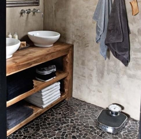 Badkamer met oud hout