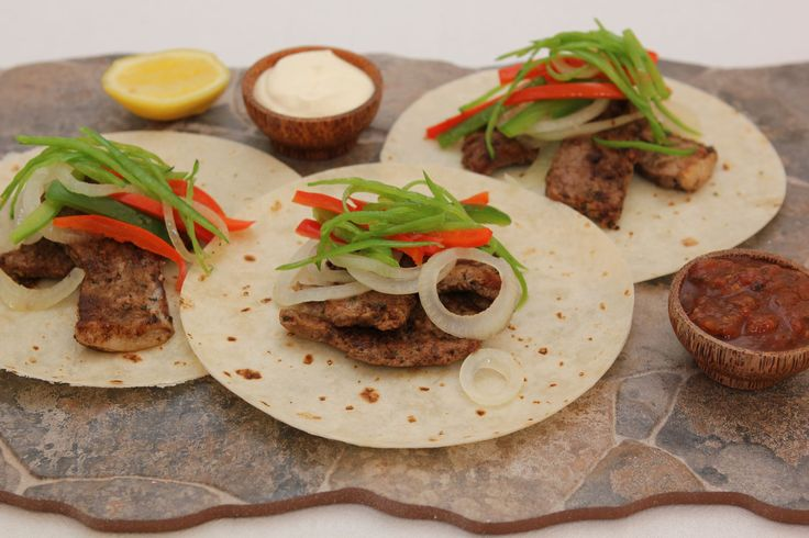 Steak, Mange Tout and Pepper Tacos - Make delicious beef recipes easy, for any occasion