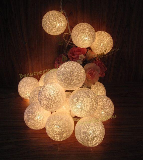 20 White Cotton Balls Night Fairy String Lights par Beautycottons