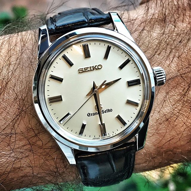 """Another object of desire from my visit to the Seiko Boutique in Miami: The wonderfully crafted, manually wound, mechanical Grand Seiko SBGW031. This is one of my favorite GSs currently in production: It's powered by the same caliber as my 44GS re-issue (the 9S64A, running at 28,800 bps), which can be seen through the caseback (I'll post a short video showcasing the movement later today). Another treat: The """"mountain"""" style hands, a throw-back and homage to some (but not all) of the first…"""