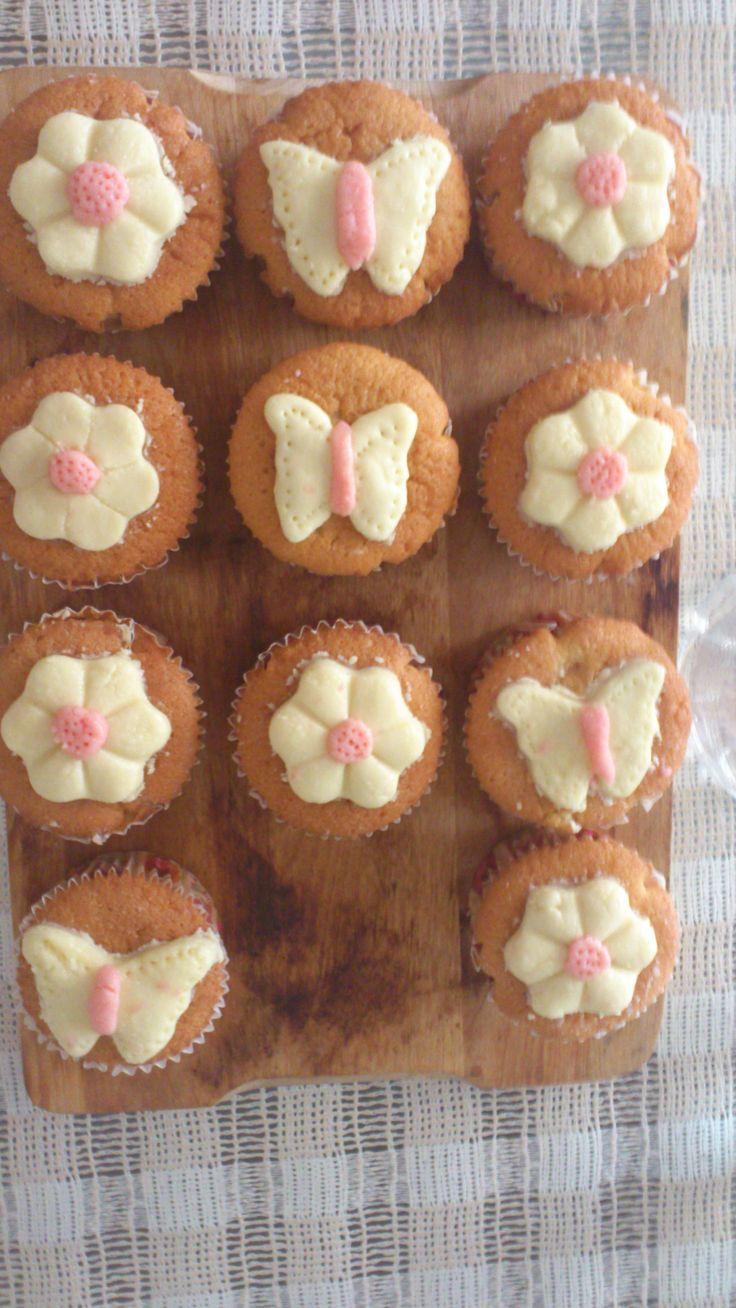 cupcakes με σοκολάτα μοντελισμού