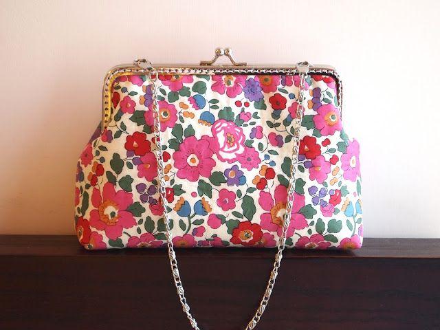 Medium sized frame pouch using Liberty tana lawn Betsy fabric