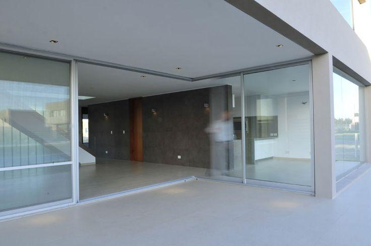 ARQUIMASTER.com.ar   Proyecto: Casa Delia (Nordelta, Pcia. Buenos Aires, Argentina) - Epstein arquitectos   Web de arquitectura y diseño