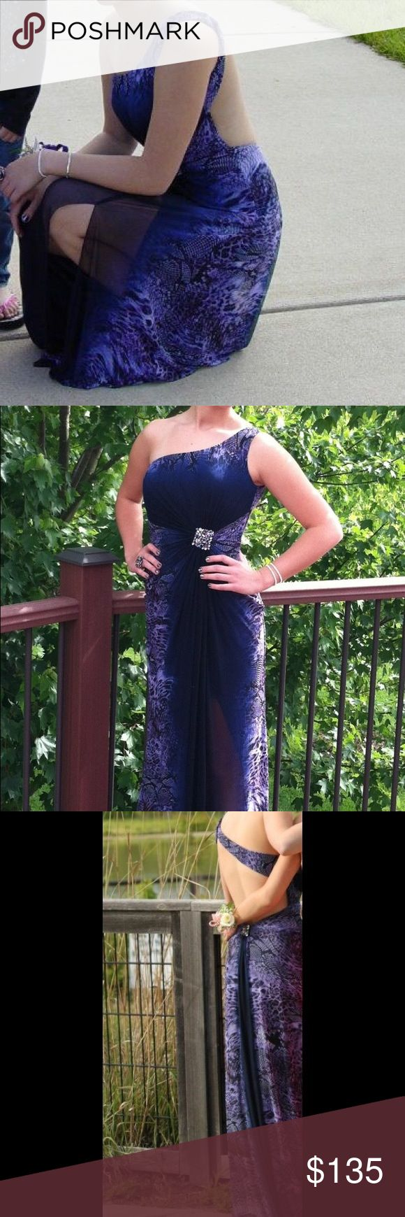 La Femme prom dress Perfect condition, worn once. Fits like a 4 but is stretchy material. La Femme Dresses Prom