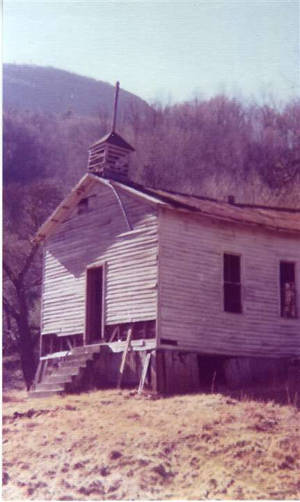 Lost Cove: North Carolina community bypassed by time, world. - by Jessica Fuller at http://www.johnsoncitypress.com Lost Cove is Yancey County, NC