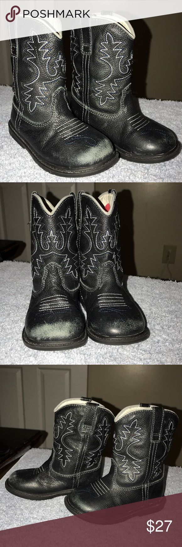 Pediped toddler size 7 Pediped leather toddler size 7 boots -used condition  -super cute for boy or girl as for me a girl wore them with her legging  -please see pictures had to glue one of the boot that happen as soon as I bought them  -originally paid 58 -thank you for looking pediped Shoes Boots
