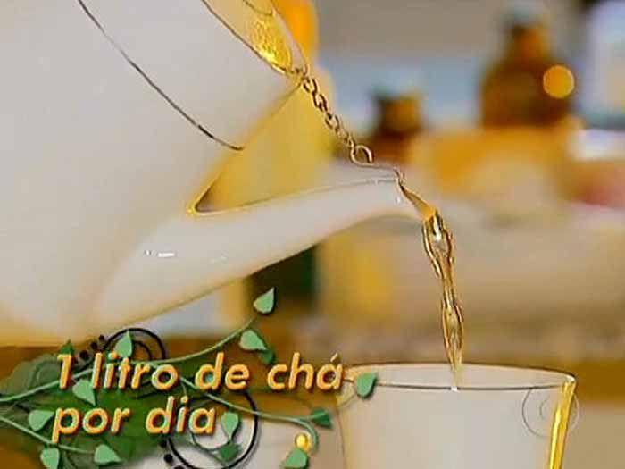 <p>Conhecida por erva-mate ou simplesmente mate, é originária da região subtropical da América do Sul. Seu chá é consumido quente ou gelado. Essa erva conta com uma enorme quantidade de propriedades cheias de benefícios para a saúde humana além de ajudar a perder algumas calorias. A erva-mate é uma planta …</p>