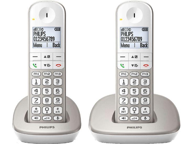 PHILIPS XL4902S/22 65€ grote toetsen en een duidelijk scherm van 1,9-inch (4,8 cm). Hij is geschikt voor gehoorapparaten en hij heeft een toets die het geluid versterkt, mocht u het even niet goed horen. Er zijn 3 geheugentoetsen aanwezig die u met één druk op de knop uw 3 dierbaarste mensen laat bellen, maar er kunnen ook 50 namen en nummers in het telefoonboek worden opgeslagen. Zelfs 2 nummers per persoon. Verder heeft hij een luidspreker om handsfree mee te bellen.