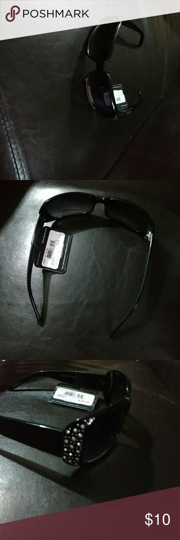 Foster Grant Sunglasses Woman's, brand new with tags sunglasses. Foster Grant Accessories Glasses