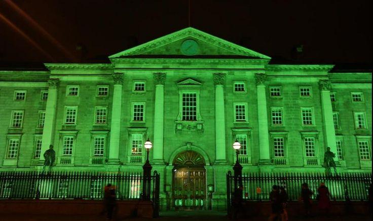 Trinity College Dublin #GoGreenForStPatricksDay via @tweetymonkey