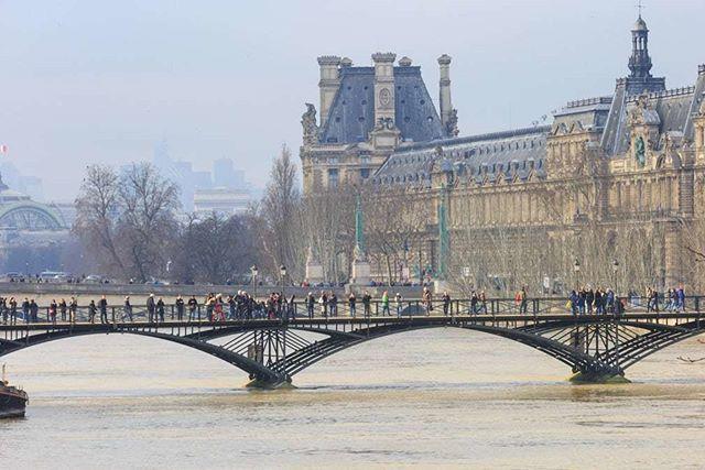 1500 evacuated in Paris region as rising Seine poses flood risk