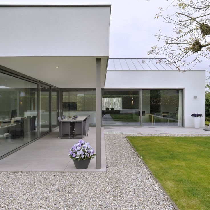 http://leemwonen.nl/interieur-i-binnenkijken-metamorfose-bungalow-moergestel/ #architecture #design #interior #interiordesign #ottenvaneck #bungalow #theartofliving #leemwonen #blogazine