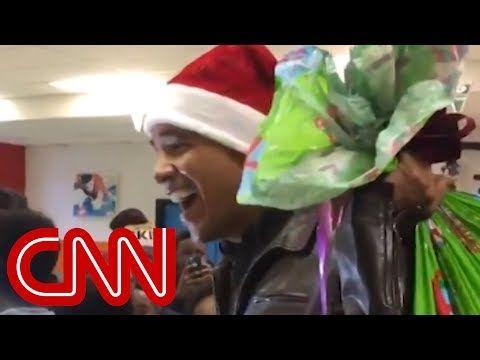 Officially...Archangel641's Blog: Obama surprises kids in Santa hat.
