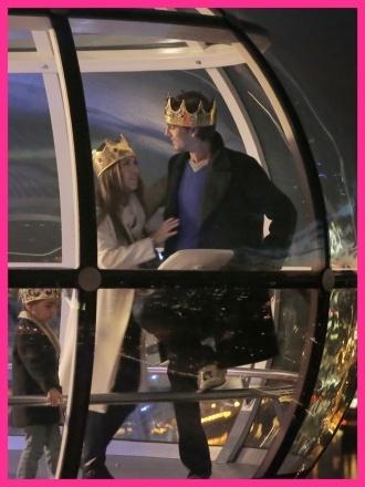 Kourtney Kardashian & Family Take a Nighttime Ride on the London Eye! #london #travel #londoneye #kardashian #vacation
