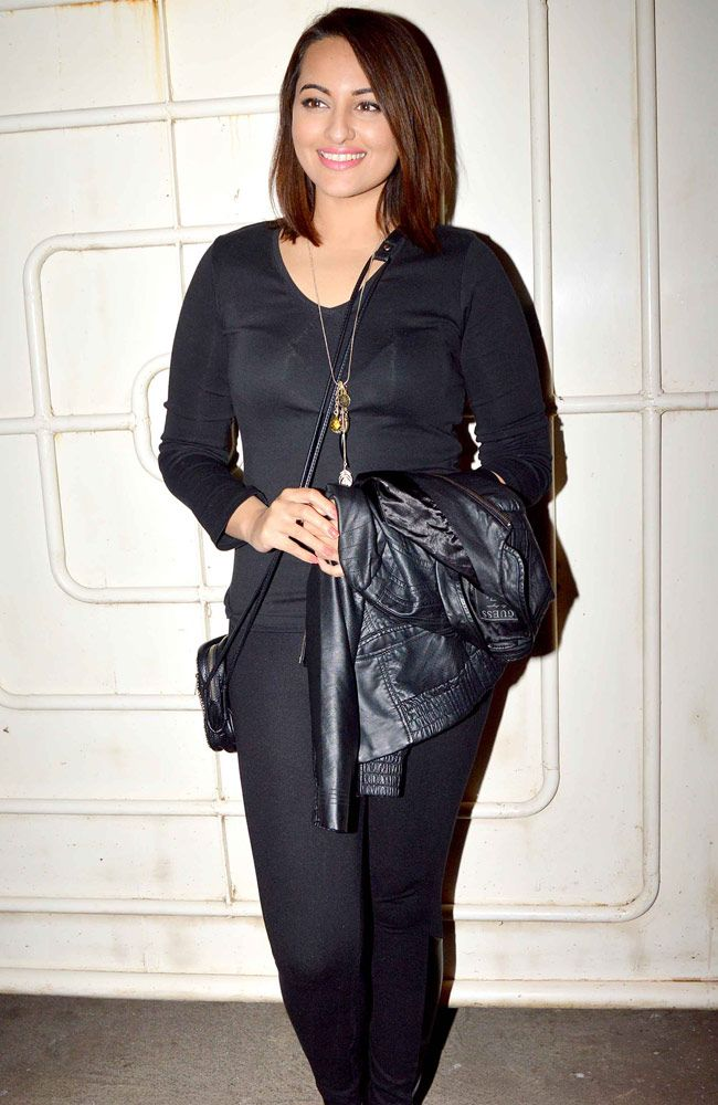 Bollywood divas like Sonakshi Sinha and Shraddha Kapoor were spotted at the special screening of Action Jackson.