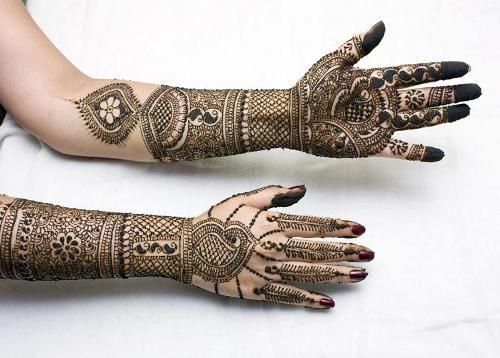 Rajasthani mehndi designs is an essential part of our Indian culture. It plays a vital role in the wedding and other auspicious rituals. Here are 25 Best Rajasthani Mehndi Designs that you can try out.