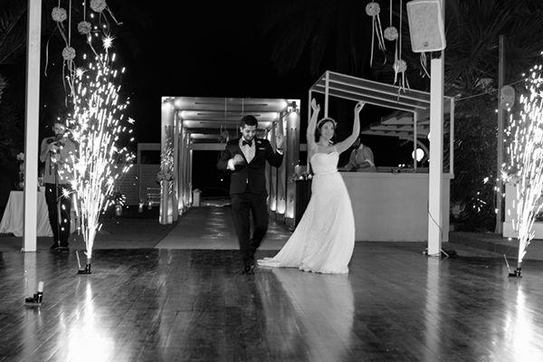 Ρομαντικος καλοκαιρινος γαμος   Λιζη & Αποστολης  See more on Love4Weddings  http://www.love4weddings.gr/romantic-summer-wedding/  Photography by Anastasios Filopoulos   http://www.anastasiosfilopoulos.com/