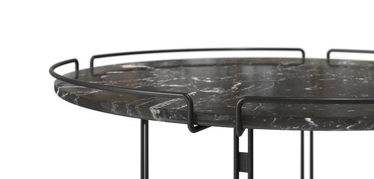 Colección realizada en estructura de alambre de acero lacado negro mate, cromado, cromado negro u oro mate y sobre en mármol gris Grafito o blanco Carrare o ...