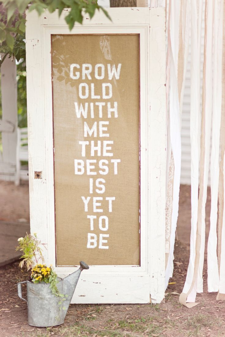 35 Rustic Old Door Wedding Decor Ideas for Outdoor Country Weddings | http://www.deerpearlflowers.com/rustic-old-door-wedding-decor-ideas-for-outdoor-country-weddings/
