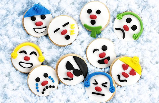 Dr. Oetker are changing it up this Christmas with these incredibly fun and trendy Snowman Emoji Biscuits - perfect for sharing!
