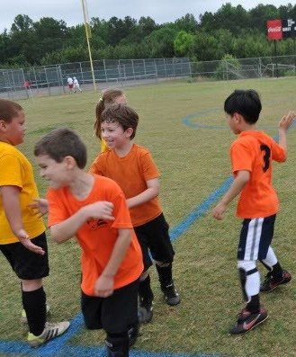A little competition is good, but sports should ALWAYS be FUN for kids! Be the example for a good sport with our 6 Rules of Sportsmanship for Kids.