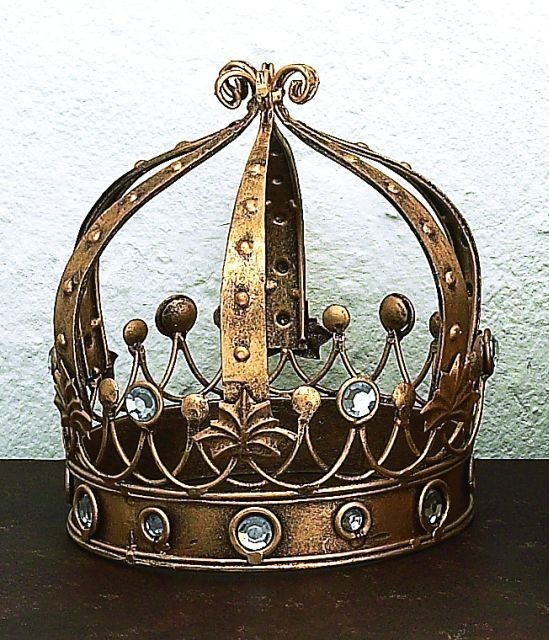 Image of Italian Santos Crown with Clear Stones and BallsCrowns Tiaras Headdress, Crowns Coronet, Crowns Collection, Clear Stones, Santo Dolls, Crowns Heart, Italian Santo, Crowns Glories, Santo Crowns