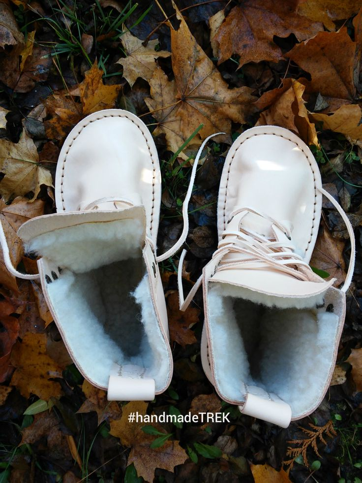 Handmade Winter shoes with natural leather. By TREK