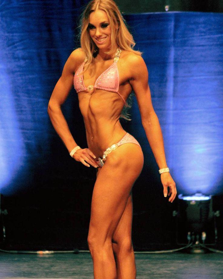JBC 2016 mijn eerste wedstrijd en ook zeker niet m'n laatste ik heb de 2 de plaats mogen behalen in mijn klasse bikini       168  Ik heb besloten om de Open Rotterdamsche niet te gaan doen en me te gaan focussen om eerst wat meer spiermassa te maken om mezelf nog beter neer te kunnen zetten.  Daarom ga ik me voorbereiden op de Ironman/Ironmaiden 6 november.    #fitgirl #fitgirlsinspire #inspiration #beauty #bikiniathletes #bikiniathlete #jbc #bikini #foreverhungry #diet #dutch #fitnessaddict…
