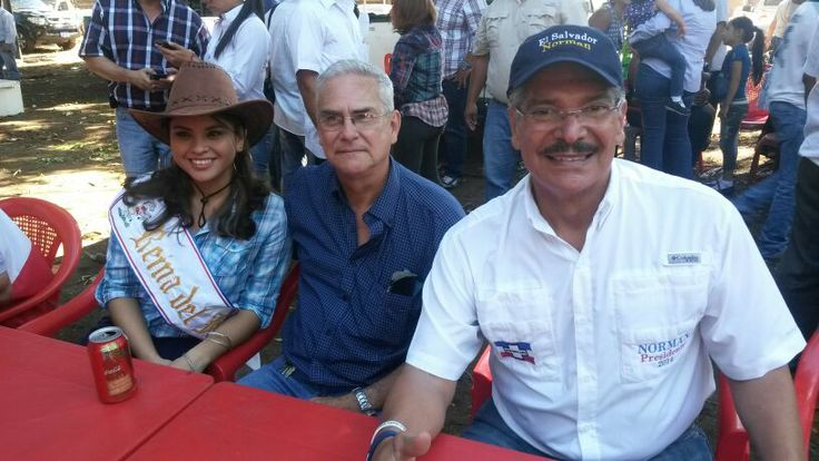 Norman Quijano futuro presidente de El Salvador durante su visita a Izalco.