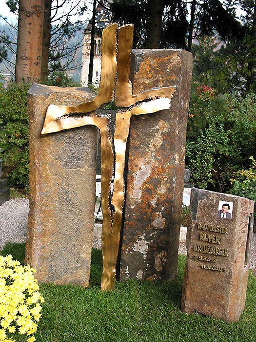 Herbert Gahr, Modern Grave Monument