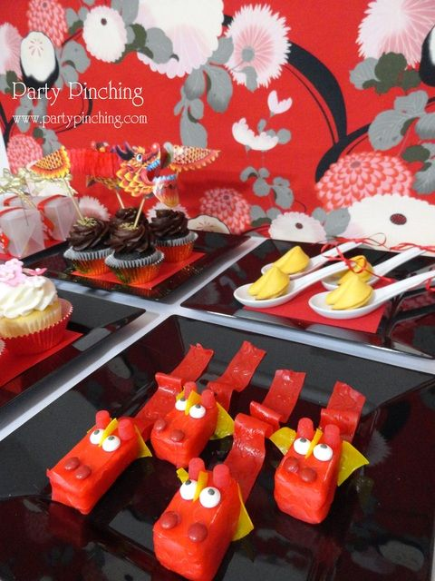 Rice Krispy Treat (RKT) Dragons for Chinese New Year...brilliant!!!
