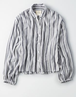 88db5112 AE STRIPED PUFF SLEEVE BUTTON-DOWN SHIRT by American Eagle Outfitters |  Straight-up amazing.Straight-up amazing. Shop the AE STRIPED PUFF SLEEVE  BUTTON-DOWN ...